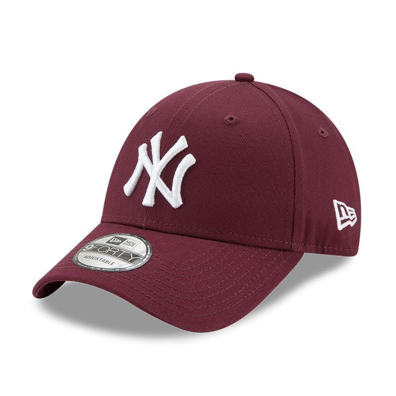 New Era 9FORTY New York Yankees Essential Baseball Cap Maroon / White