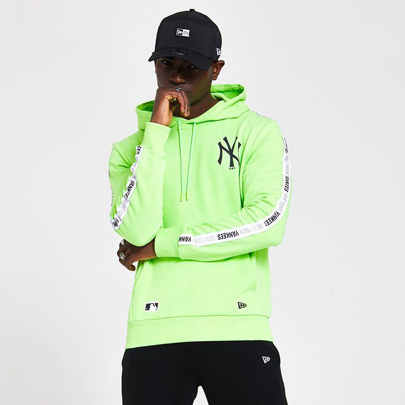 New Era Men's  New York Yankees Taped Sleeve Hoodie Lime