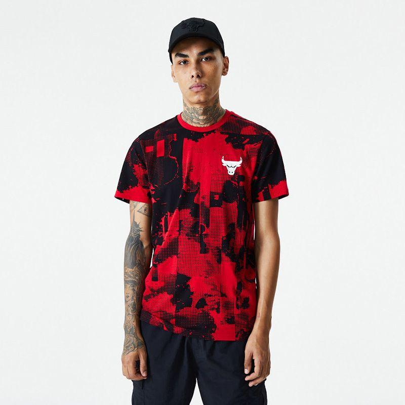 New Era Men's  Chicago Bulls All Over Error Print T-Shirt Red / Black