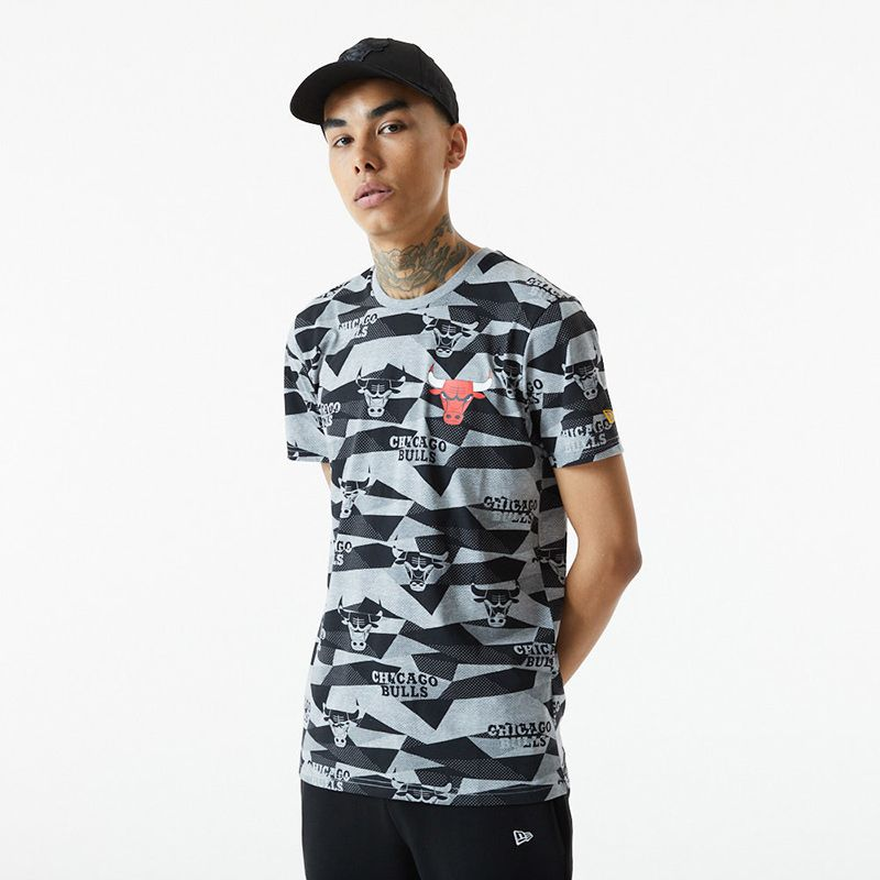 Grey New Era NBA Chicago Bulls short sleeve t-shirt with all-over print from O'Neills.