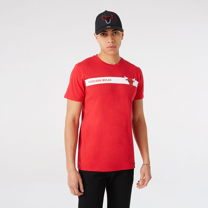 Red New Era Chicago Bulls short sleeve t-shirt with Bulls team logs and wordmark from O'Neills.